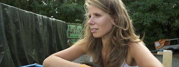 La-joven-periodista-alemana-Gr_54411315122_51351706917_600_226